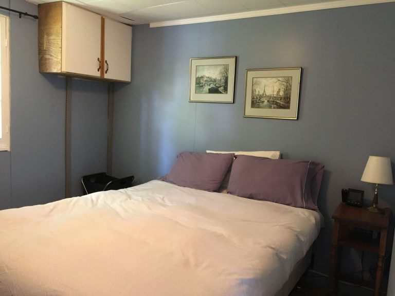 Haliburton, Cottage, Rental, Stormy, Lake, Fall, Chambre, Queen Bed