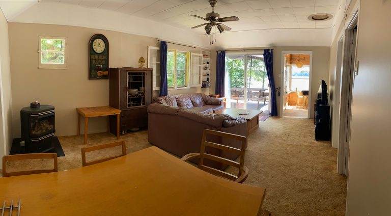 Haliburton, Cottage Rental, Stormy, Lake, Fall, Bunkie, salle à dîner, Dining Room