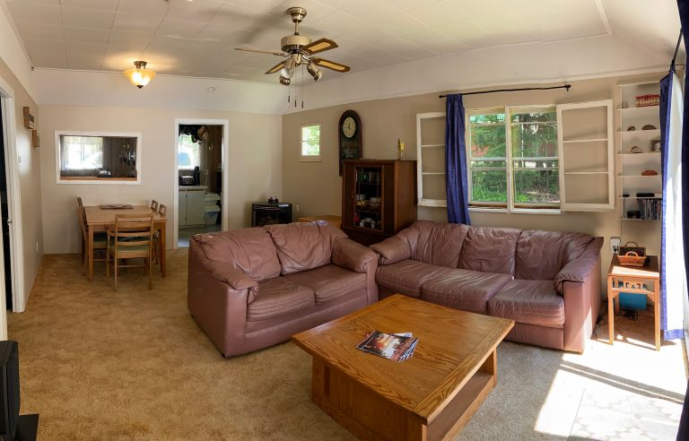 Haliburton, Cottage Rental, Stormy, Lake, Fall, Bunkie, Salon, salle à dîner, Living Room
