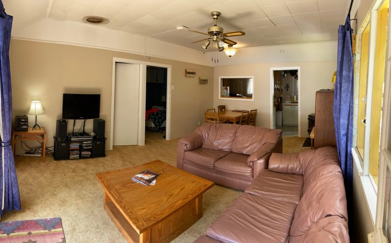 Haliburton, Cottage Rental, Stormy, Lake, Fall, Bunkie, , Salon, Living Room